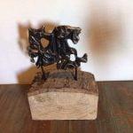 Ruiter, brons op hout